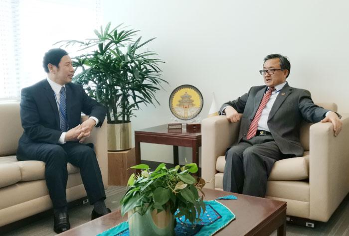 张鸿文出席联合国森林论坛第十四届会议